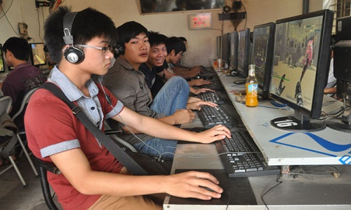 """Nghien game, nu sinh lop 9 muon lam... """"nu hoang tinh duc"""